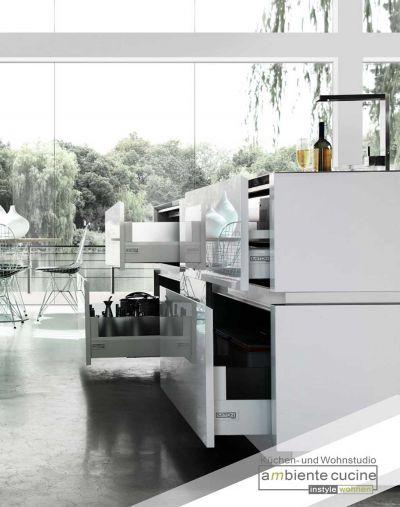 Mit-praktischen-Auszügen-behalten-Sie-den-Überblick-in-der-Küche-