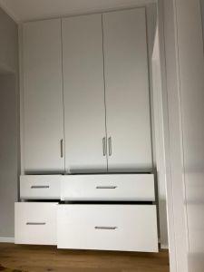 Kuechen_Montage_Ambiente_Cucine_Pimasens_Material_Design_Individuell_Schlafen_Zimmer_Handwerk_Holz_Tische